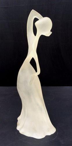 Linda Escultura Representando Mulher 39cm De Altura