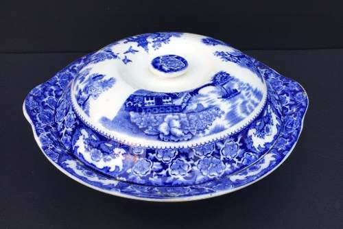 Belissima Sopeira Porcelana Inglesa Decoração Pombinho