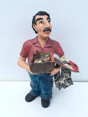Arte Popular Escultura Comerciante Em Gesso 34cm Altura