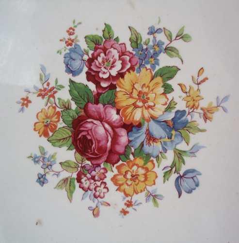 Antigo Prato Em Porcelana Nadir Motivos Florais