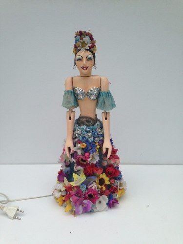 Lindo Abajur Em Madeira Carmen Miranda