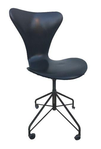 Cadeira Giratoria Antiga Em Couro Belo Design