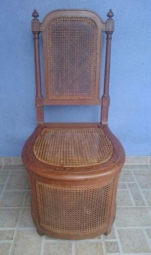 Antiga Cadeira Pinho De Riga E Palhinha Com Porta Urinol