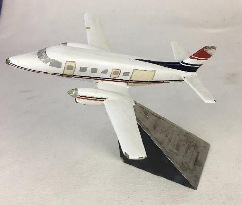 Antiga Miniatura Aviao Bandeirante Embraer 84