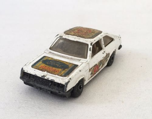 Matchbox Superfast Escort Rs2000