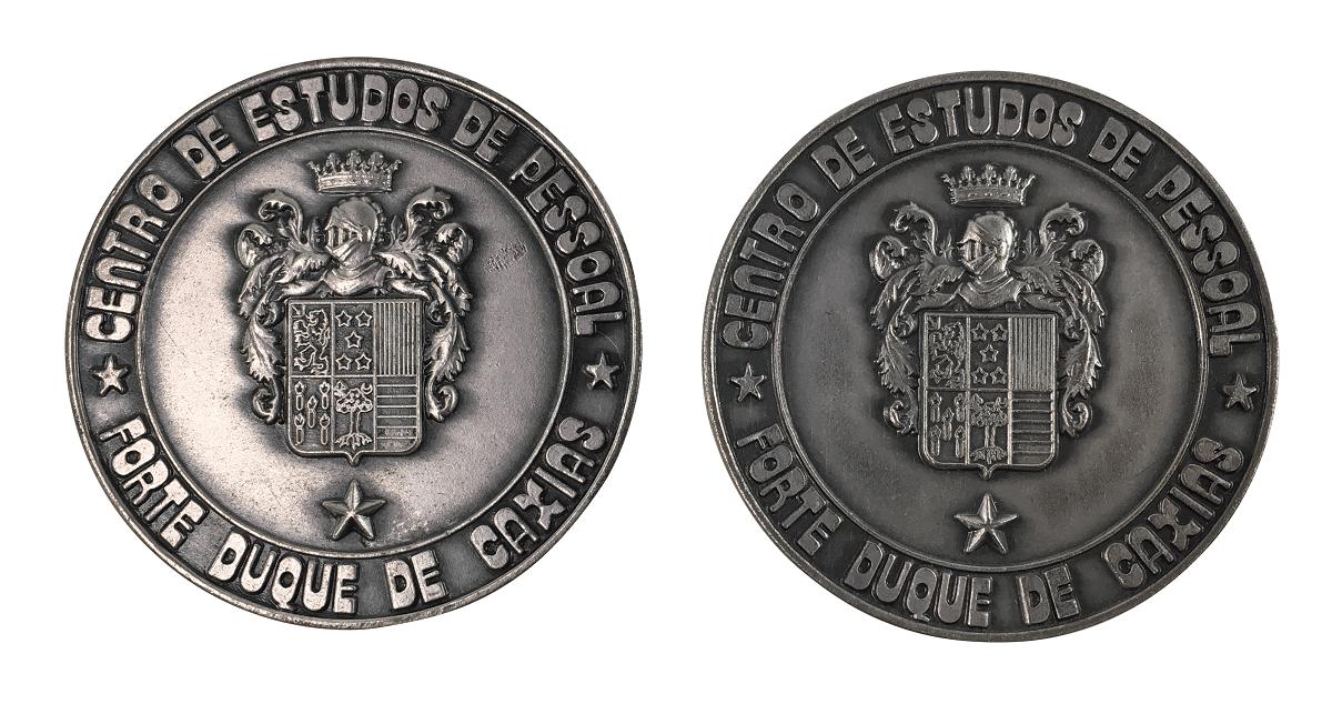 2 Medalha Antiga Militar Centro De Estudos De Pessoal Duque De Caxias