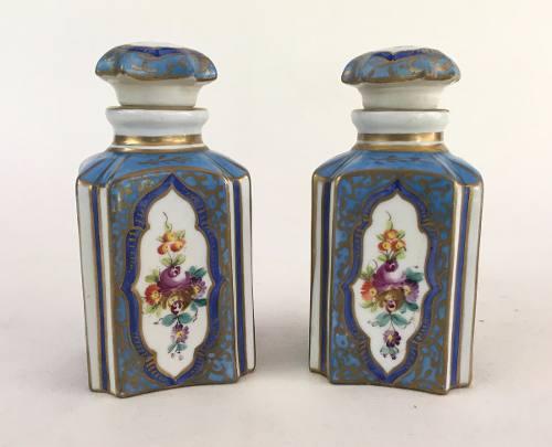 Antigo Par De Perfumeiros Em Porcelana Francesa Sevres
