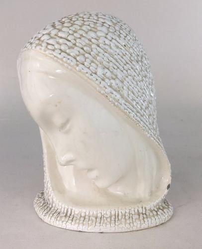 Imagem Santa Em Cerâmica 21cm Altura