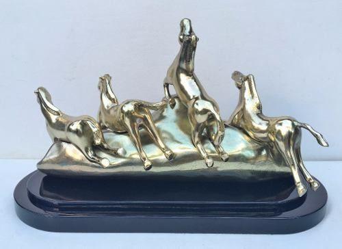 Espetacular Escultura Em Bronze Cavalos Base Madeira