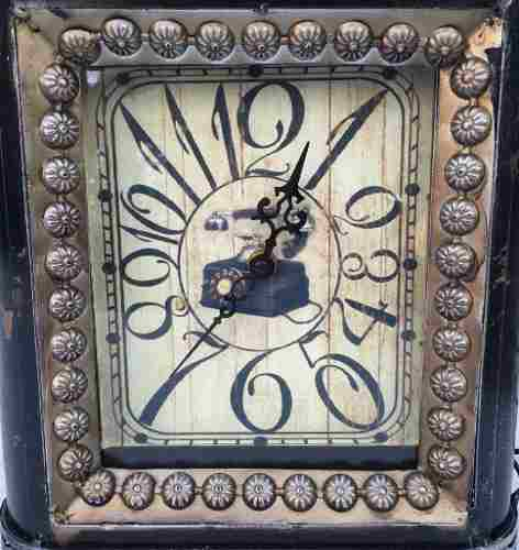 Grande Relógio De Mesa Vintage Retrô Metal 41cm De Altura