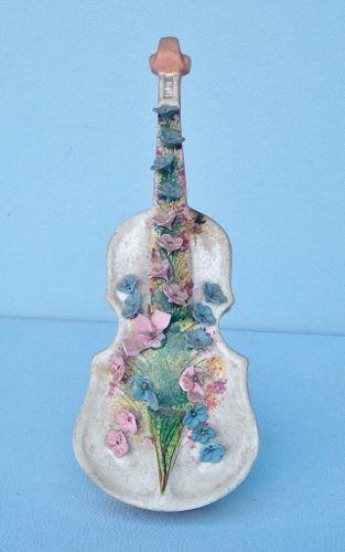 Antiga Escultura Violino Em Louça Biscuit
