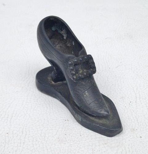 Antigo Sapatinho Miniatura Em Metal