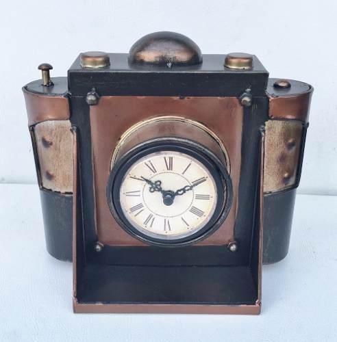 Relógio De Mesa Em Metal Vintage Retrô 21cm De Altura