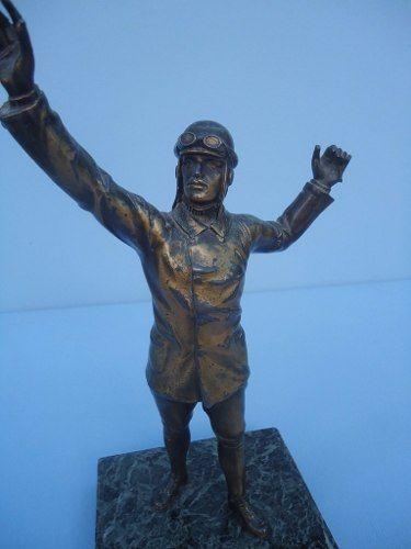Antiga Escultura Em Bronze Aviador Piloto Base Em Marmore