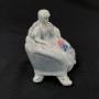 Antiga Escultura Bibelo Porcelana Dama
