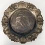 Antigo Par De Prato Medalhao Trabalhado Em Metal