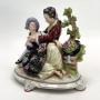 Belíssimo Grupo Escultórico Em Porcelana Inglesa
