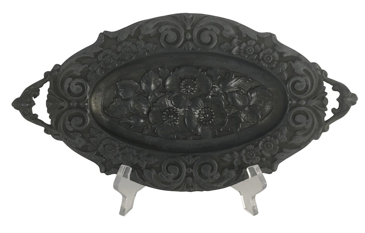 Antiga Bandeja Pequena Oval Em Estanho