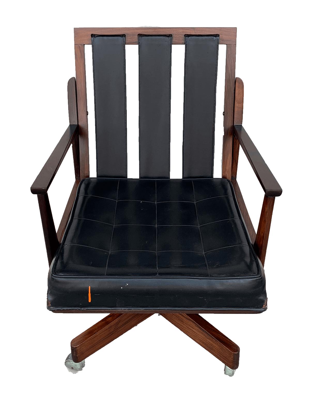 Antiga Cadeira De Escritorio Jacaranda Design Anos 60 Giratoria