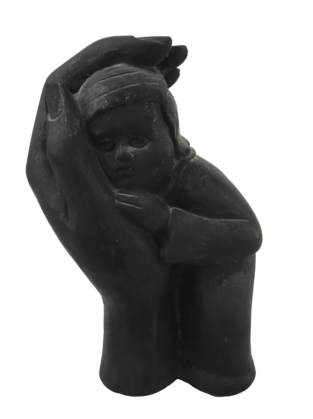 Antiga Escultura Em Bronze Patinado Mao Protegendo Criança