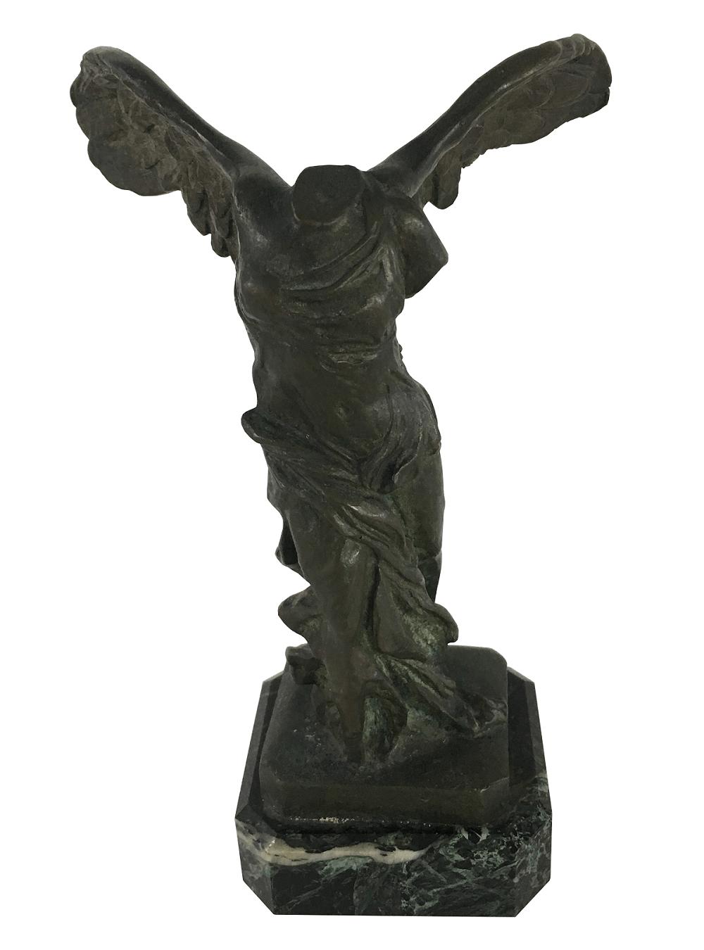 Antiga Escultura Em Bronze Vitoria De Samotracia