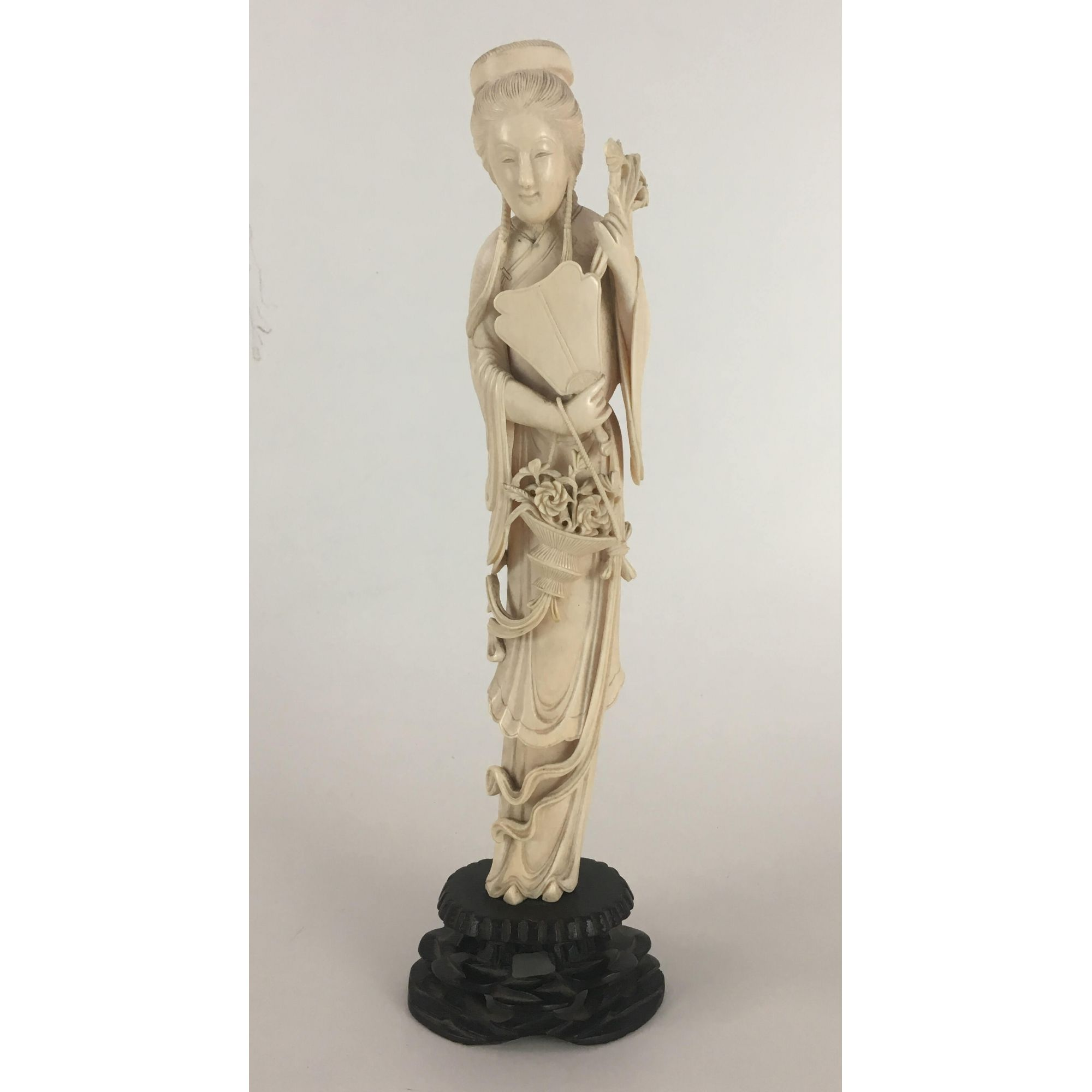 Antiga Escultura Em Marfim Gueixa 34cm