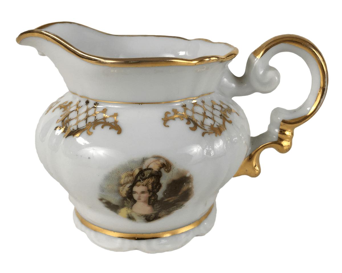 Antiga Leiteira Em Porcelana Real Detalhe Dourado