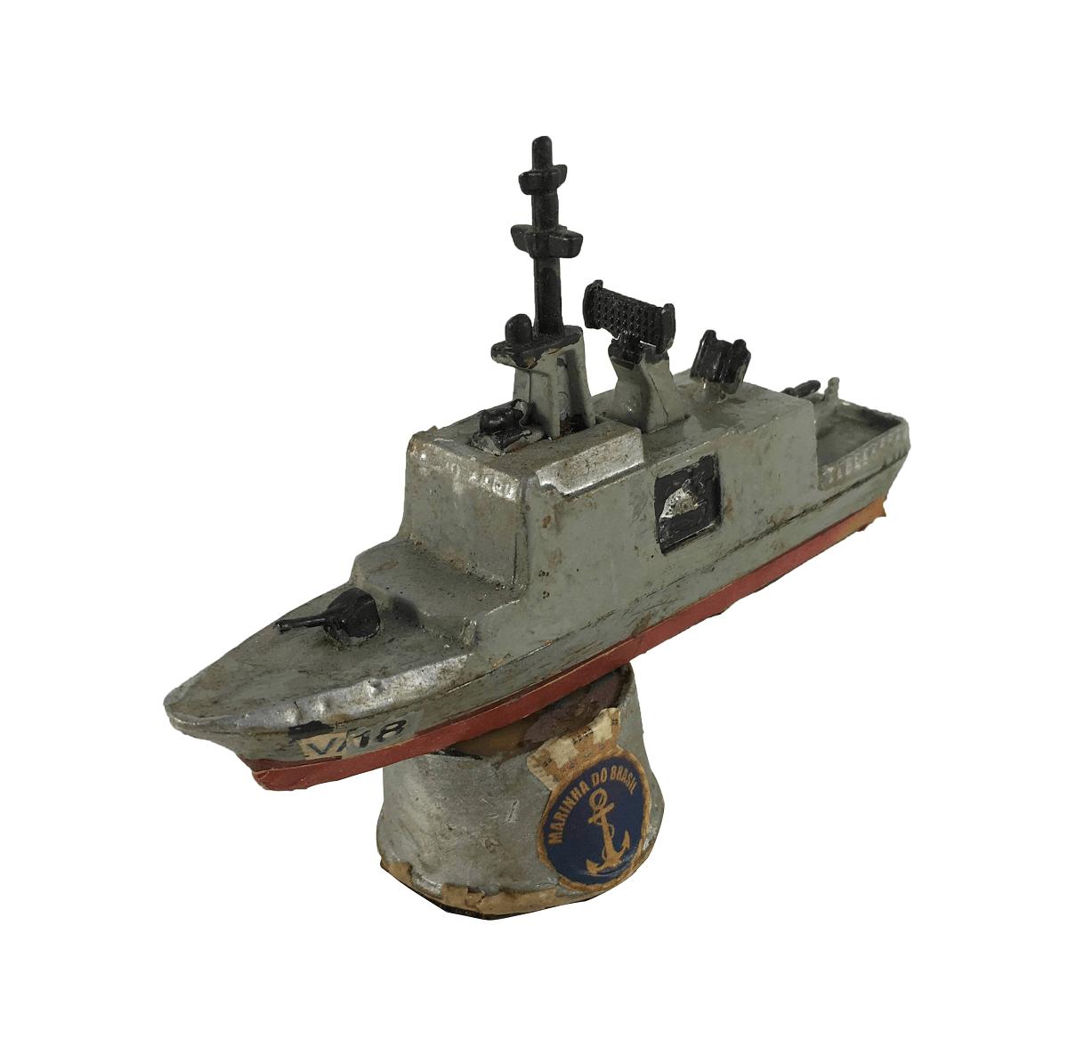 Antiga Miniatura Navio Militar V18