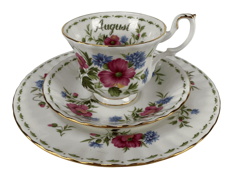 Antiga Xicara De Cha Porcelana Inglesa Royal Albert August