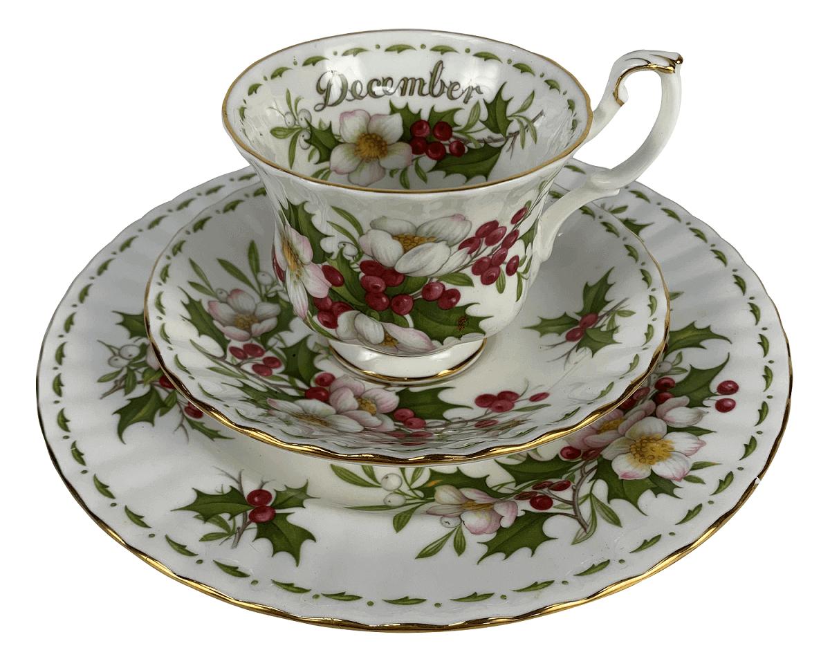 Antiga Xicara De Cha Porcelana Royal Albert Inglesa December