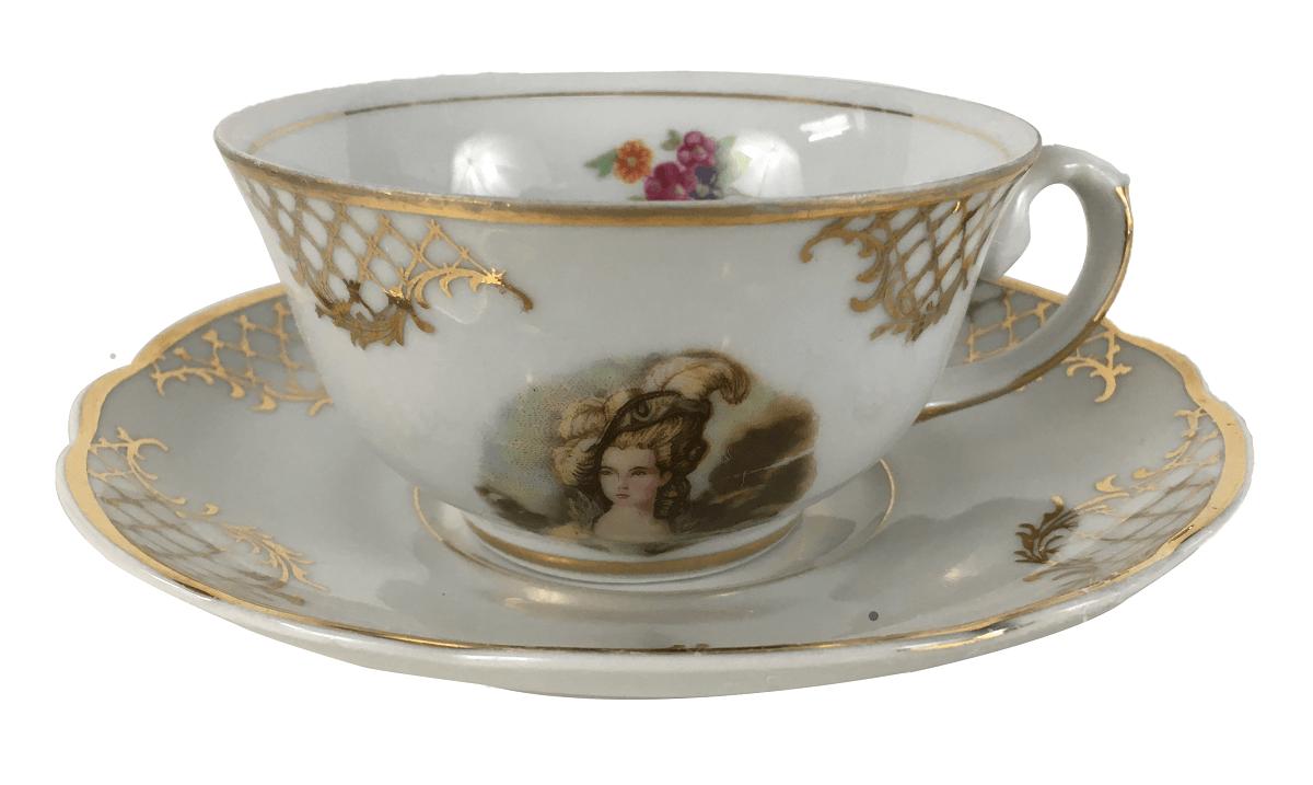 Antiga Xicara Em Porcelana Real Detalhe Dourado