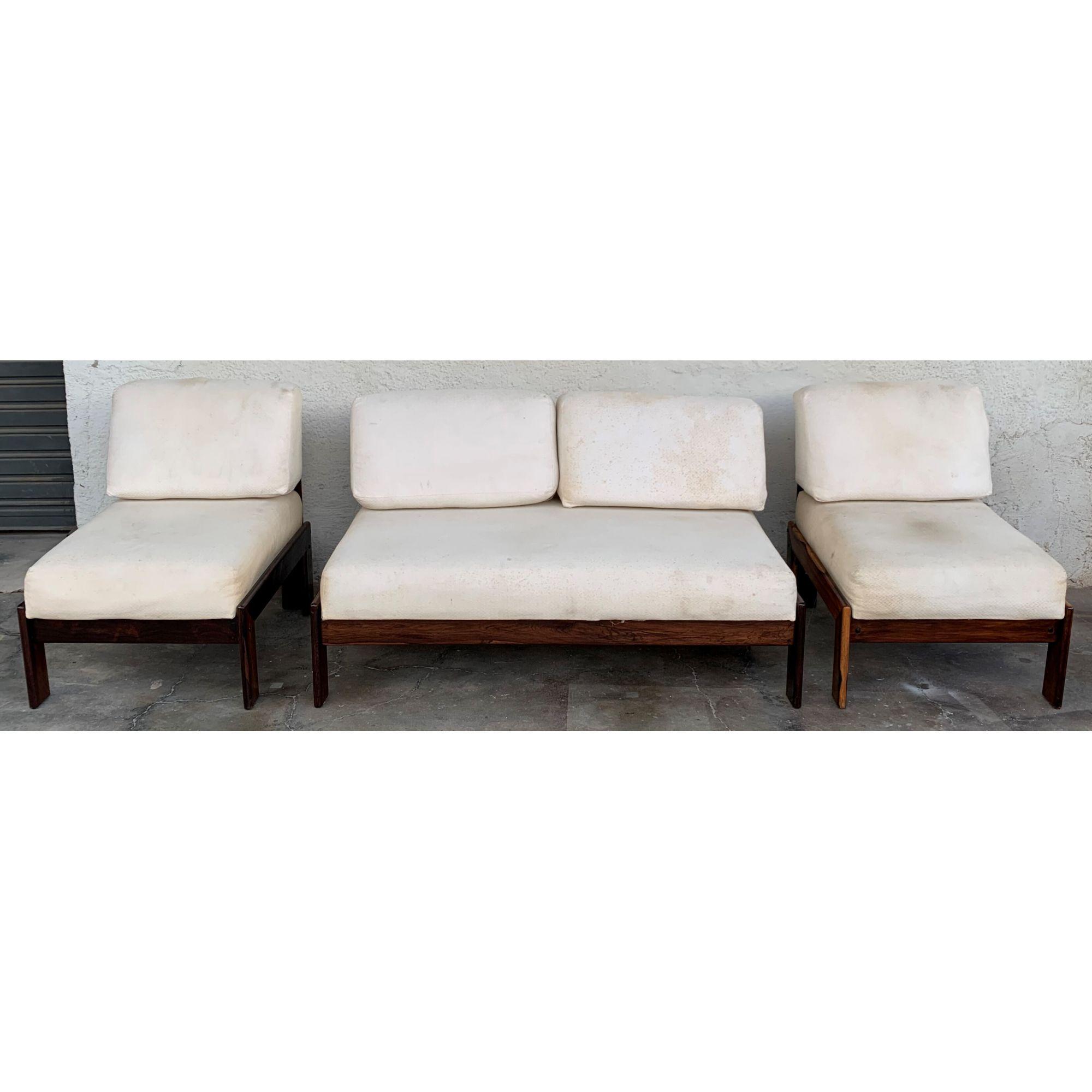 Antigo Conjunto Sofa E Poltronas Jacaranda Design Anos 60 Imperio Dos Antigos Loja De Moveis E Objetos De Decoracao Antigos