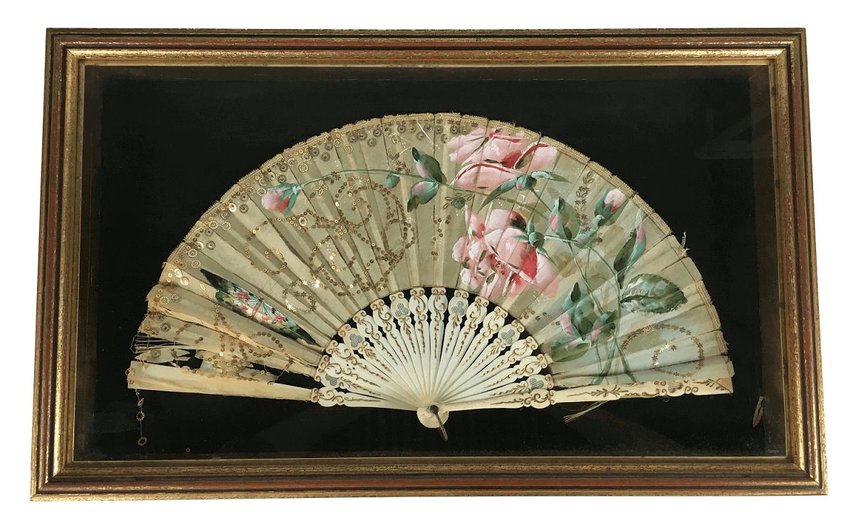 Antigo Leque Coleção Emoldurado Em Madeira E Vidro