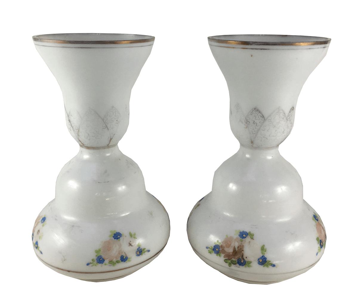 Antigo Par De Vasos Em Opalina Branca Pintado A Mao