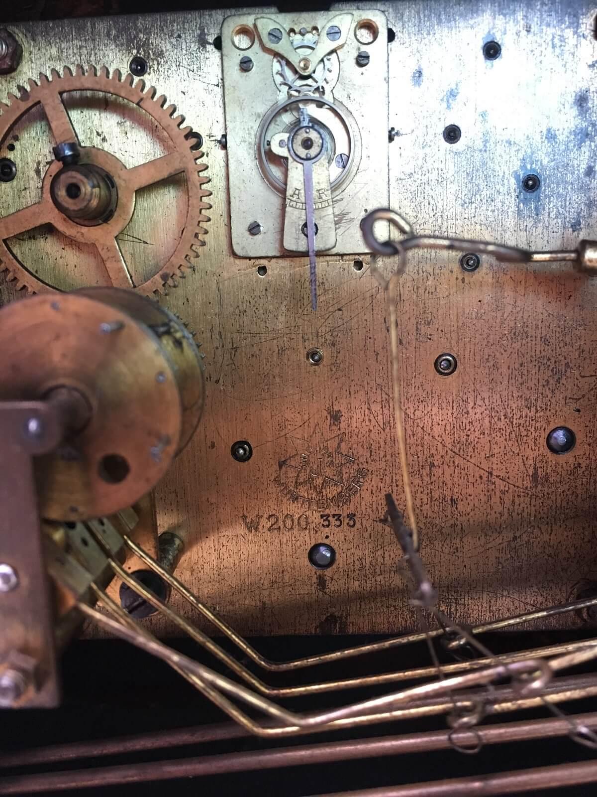 05cd528b88a Antigo Relogio Carrilhao De Mesa Junghans Art Deco - Império dos Antigos