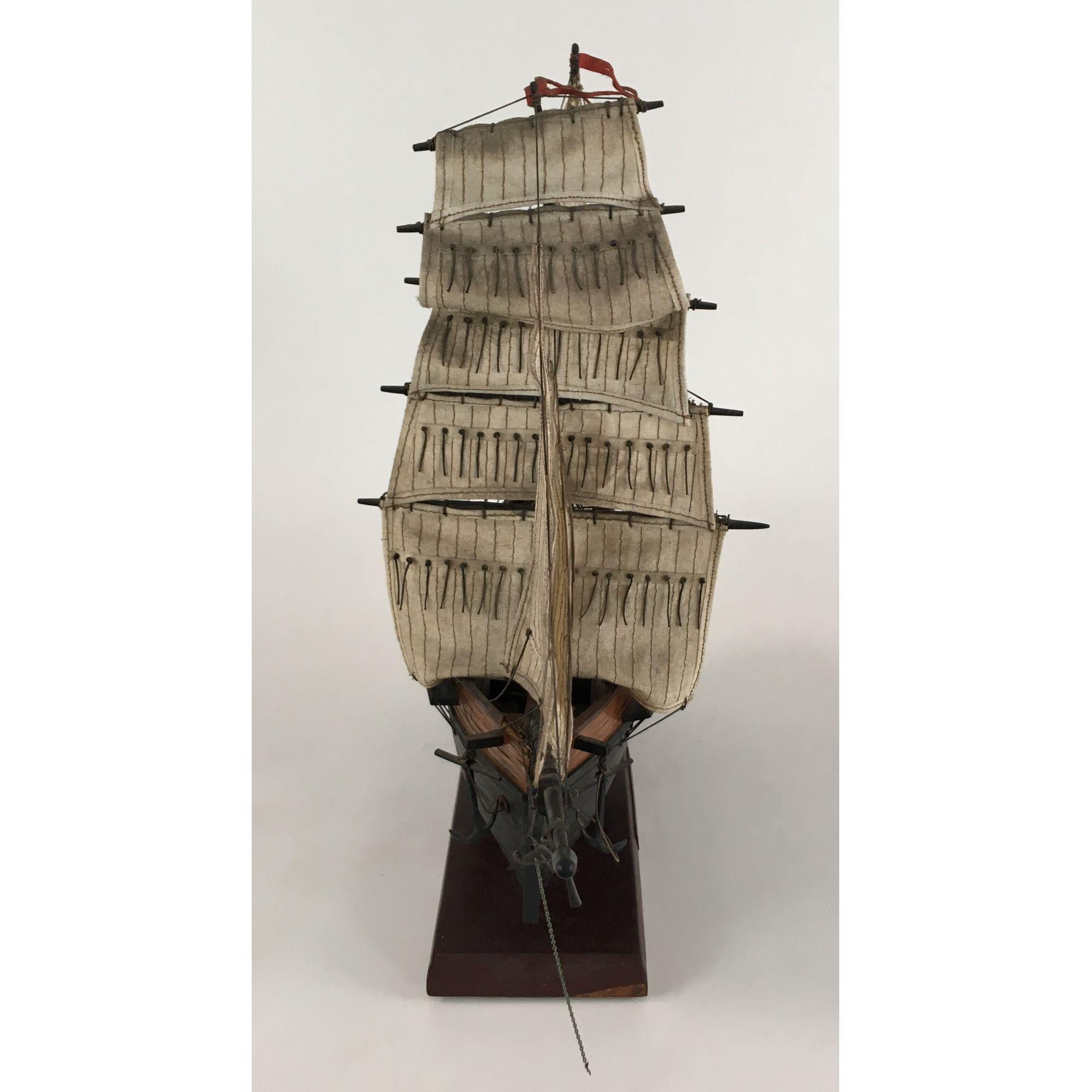 Caravela Antiga Em Madeira 55cm Comprimento