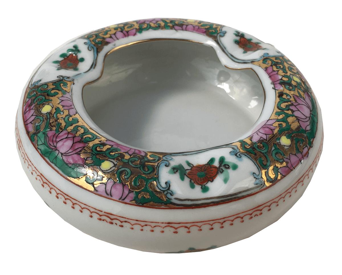 Cinzeiro Em Porcelana Chinesa Florida