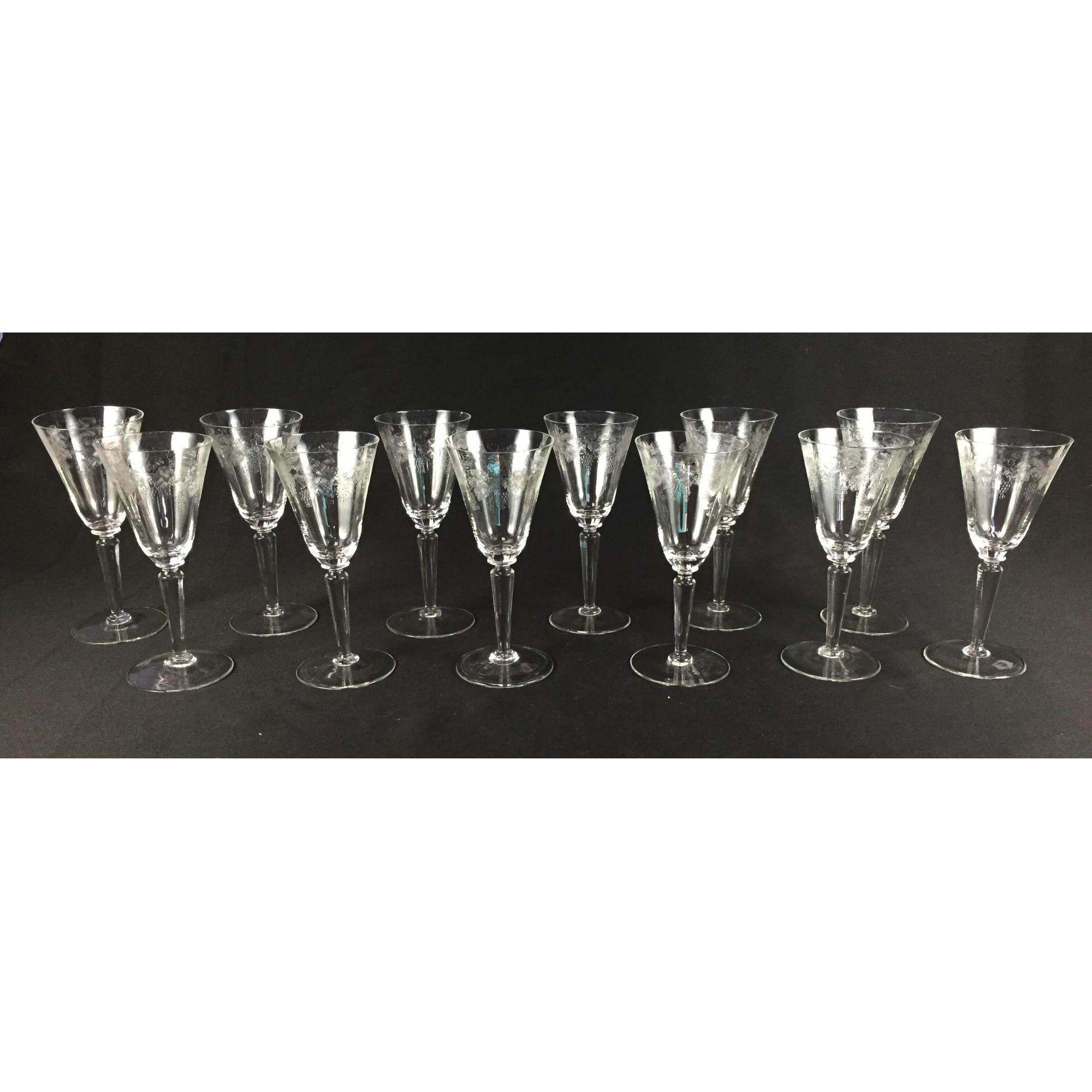 Conjunto 10 Taças Antigas Cristal Saint Louis Desenho Uvas 19cm
