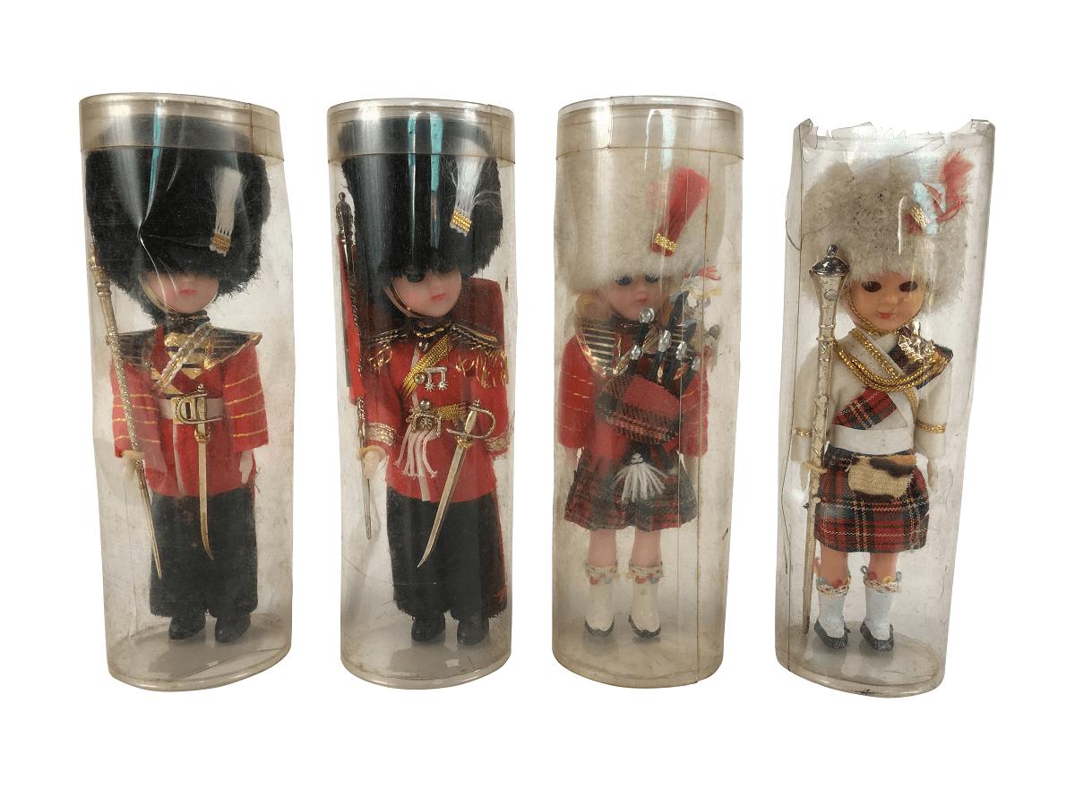 Conjunto Antigo Boneco Soldado Ingles Guarda