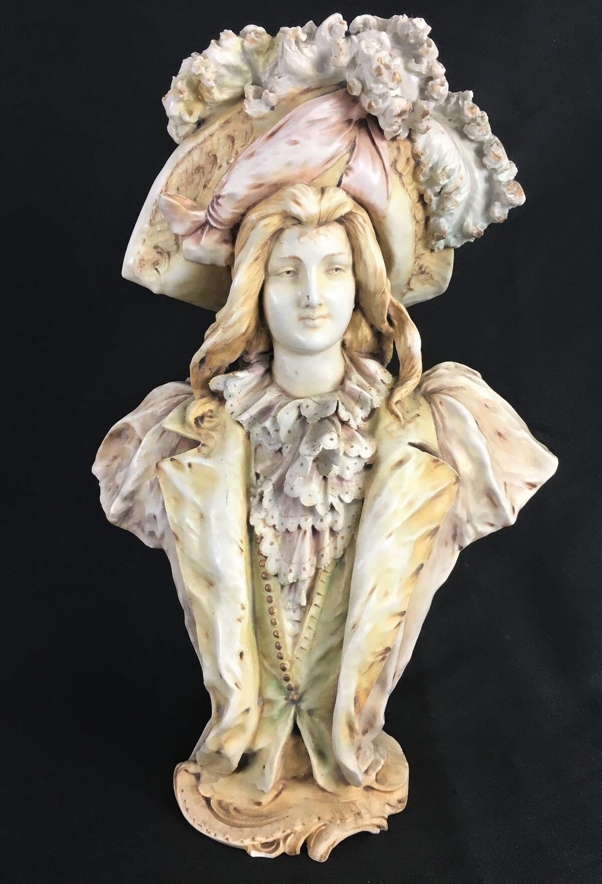 Magnifica Escultura Porcelana Antiga Austriaca Teplitz Bohemia