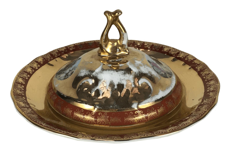 Mantegueira Antiga Porcelana Ouro Cena Galante