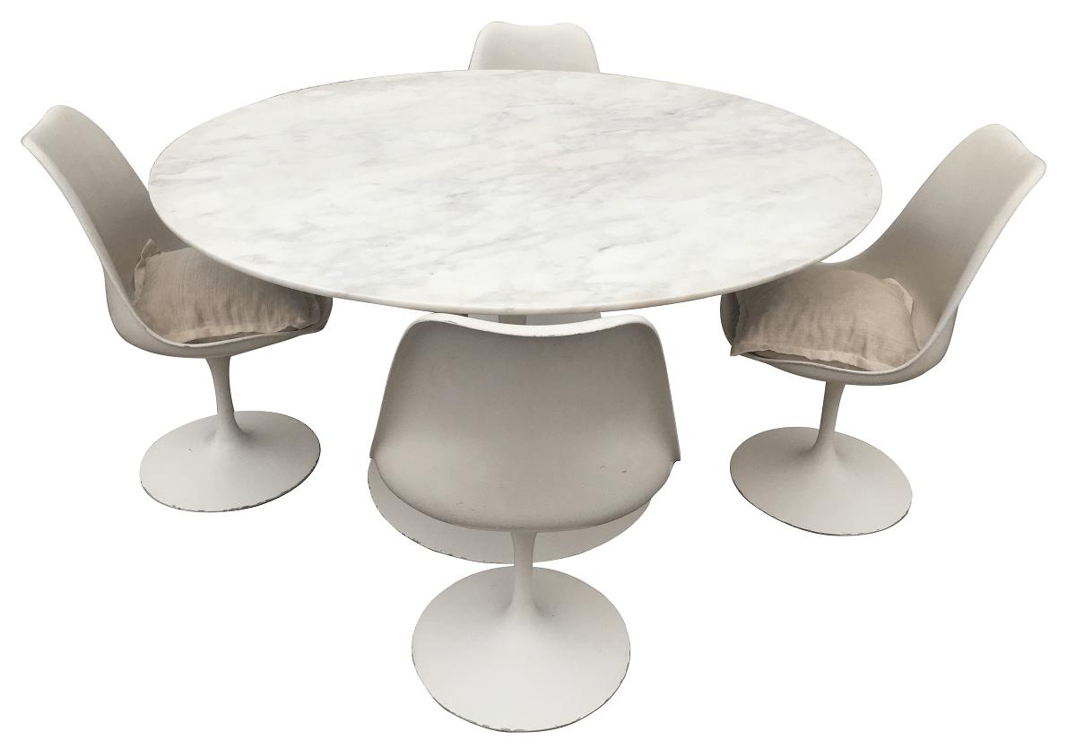 Mesa Saarinen Redonda Marmore Carrara 140cm 4 Cadeiras