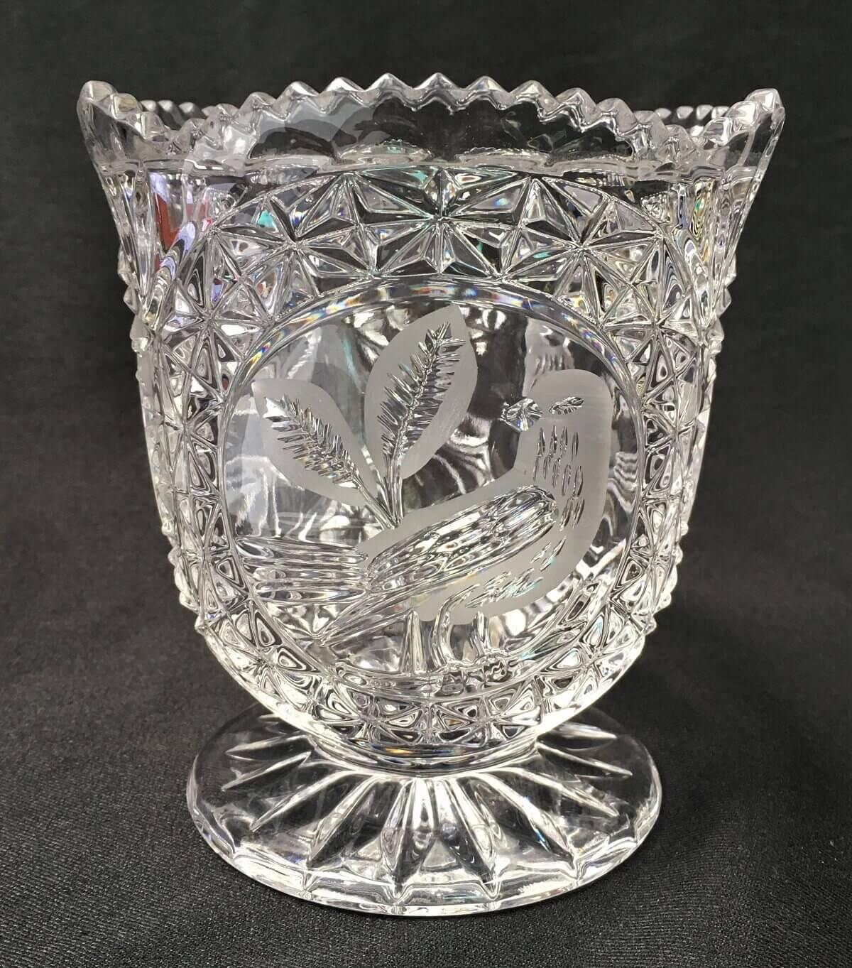 Vaso Pequeno Cristal Lapidado Desenho Passaro
