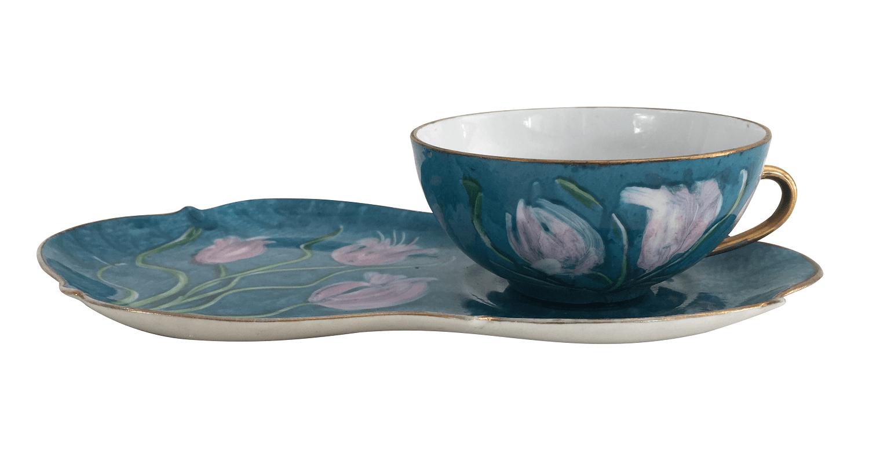 Xicara De Cha Em Porcelana Com Pratinho Pintado A Mao