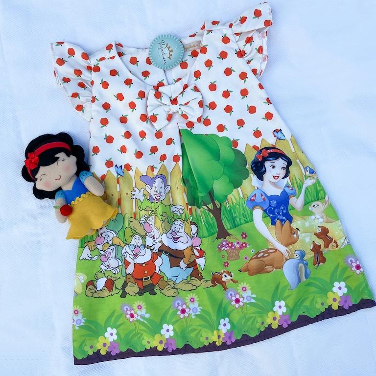 Boneca Princesa Branca de Neve