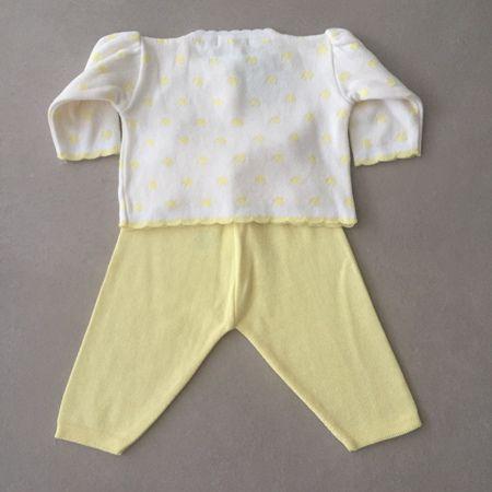 Conjunto Infantil em Tricot Branco e Amarelo com Casaco Poá e Calça