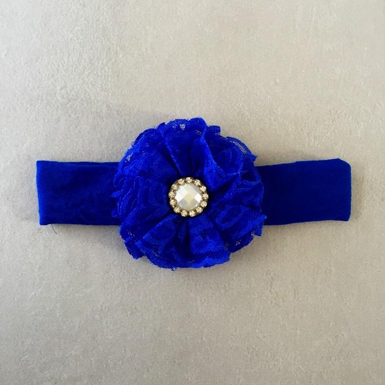 Faixa Azul com Flor em Renda