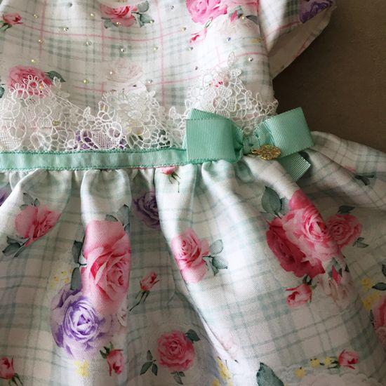 Vestido de festa Petit Cherie em Cetim Branco e Verde Floral
