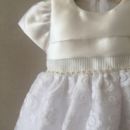 Vestido de Festa Petit Cherie em Tafetá Offwhite e Renda Branca Baby