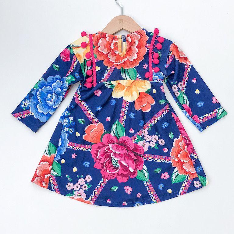 Vestido Flores e Pompons